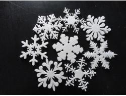 Снежинки из пенопласта (выбор дизайна)