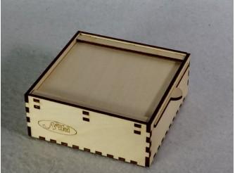 Коробочка на рельсах 10,6*10,6*4,3 / фанера  (1шт)