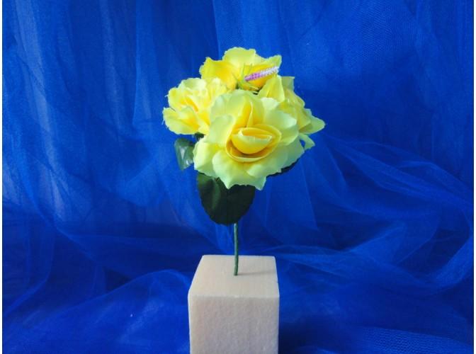 Мини-букет розочек желтый h21,см 5 голов(1шт)