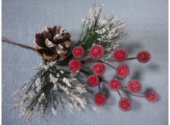 Ветка сосновая с шишкой и ягодами 20см (1шт)
