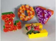 Буква с декором h 20 см /окрашивание + цветы (1шт)